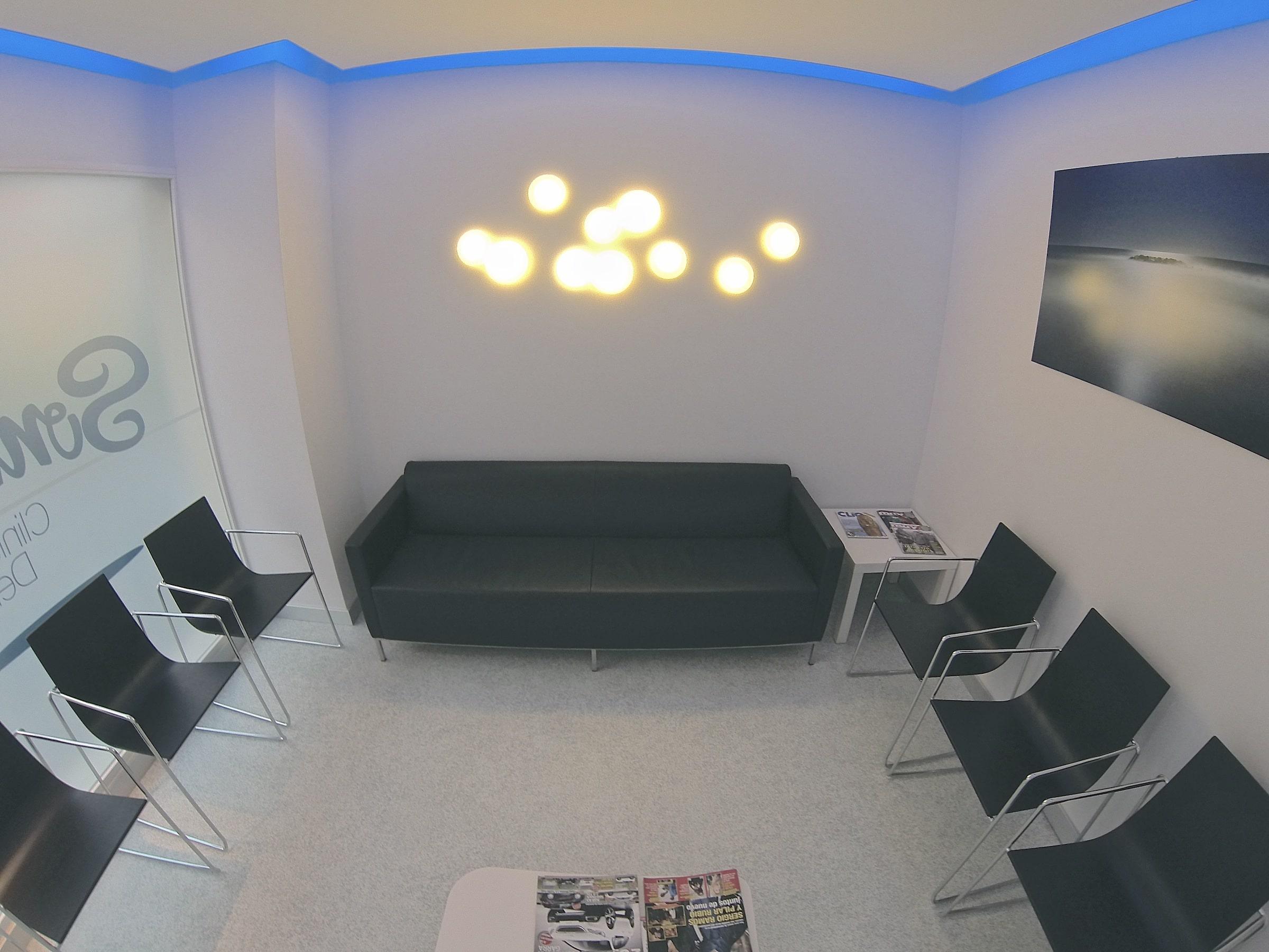 Mejor clinica dental en el centro de granada clinica sonrie - Disenos clinicas dentales ...